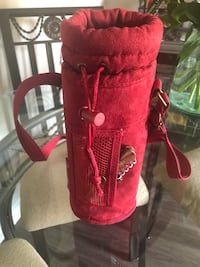 Red insulated waterproof one bottle carrier Arlington, 22201