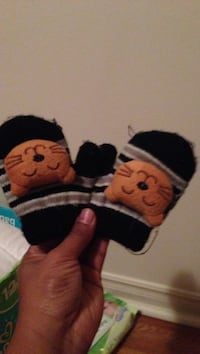 Pair of black-and-brown cat themed mittens Halifax, B3M