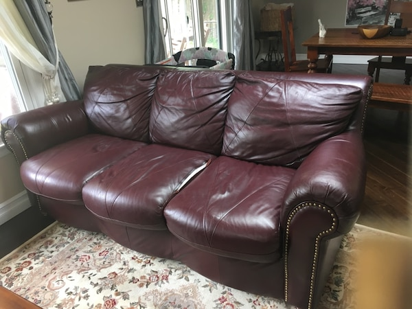 Leather Couch 5857e145-be5b-4b37-ae8c-a611d2ee7970