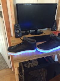 Size 4 light up different colors North East, 21901