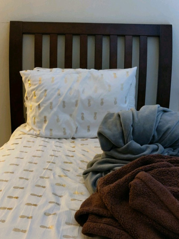 Twin XL Wooden Sleigh Bed,  Excellent condition