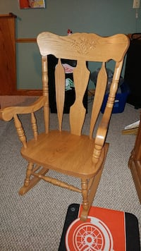 Solid oak rocking chair London, Ontario, N6B 1Z2