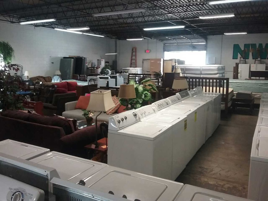 Furniture appliances and more in springdale letgo for Furniture and more