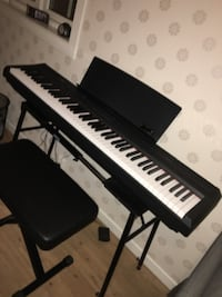 Yamaha digital piano p-105