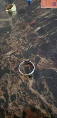 round silver-colored ring London, N5Z 5E9