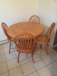 brown wooden dining table set Montréal, H1V 2C1