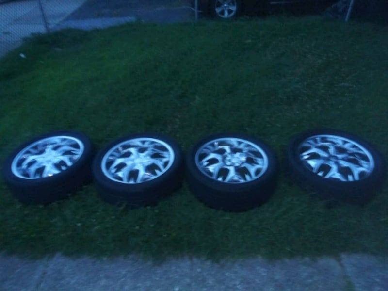 4 rims and tires 5x100mm bolt patern 20s  3