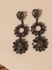 two black-and-white floral earrings New York, 11230