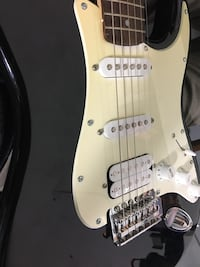 Electric Guitar Squier Strat by Fender Toronto, M6S