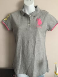 Womens shirt size M never worn Dorval, H9P 2A8