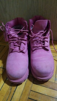 Girls pink Timberland boots Mississauga, L4X 1P7