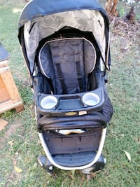 Graco stroller w/removable seat