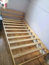 Bed frame for single bed Toronto, M1G 2S9