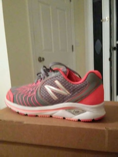 New Tennis Shoes size 6.5