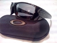 $45 - new Oakley Fuel Cell Sunglasses with case 722 km
