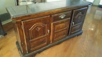 Solid wood antique dining hutch Mississauga, L5K 2B8