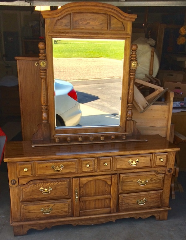 Used Dixie Brand 8 Drawer Dresser And Mirror For Sale In Lakeville