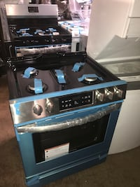 Frigidaire 30in slide In gas stove stainless steel 6 months warranty Baltimore, 21230