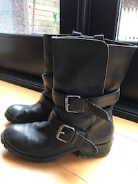 Black Leather motorcycle boot Toronto, M6G 2Y5