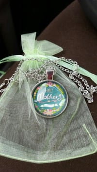 Brand new Mother's Day necklace Murfreesboro, 37128