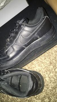 black nike air force size 2Y Tulare, 93274
