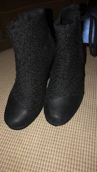 Boots Toms size 7.5