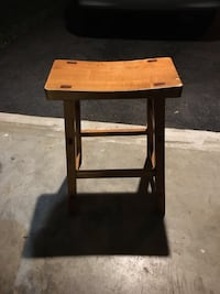 Wooden Sitting Stool Germantown, 20874
