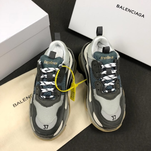 744742b92d4 Used pair of gray-and-black Nike running shoes for sale in New York ...