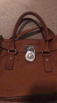 brown Michael Kors leather tote bag Alexandria, 22304