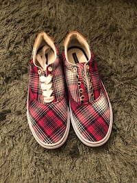 Women's Red Plaid Tommy Hilfiger (size 9) Liberty Twp, 45011