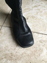 Girls black leather boots. European Size 34. Appx  American size 3 Mississauga, L5K
