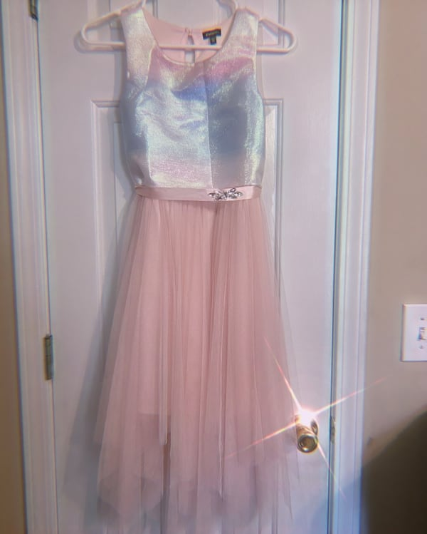 Ombre dress, Size 12 in girls. Only wore once!! 14e5c6d5-283f-4b61-8b8b-1c99daa78568