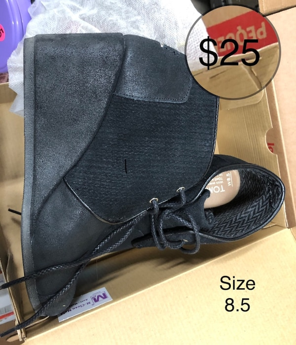 Toms shoes  Size 8.5 $25 Firm