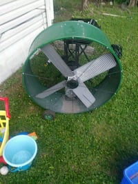 green and black trampoline with enclosure Louisville, 40216