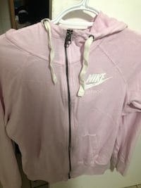 Pink nike sweater Cambridge, N1R 6V2