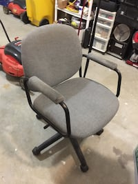Gray office rolling armchair Catonsville, 21228