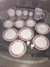 Vintage Gibson 1996 Coca Cola Canister set, Dinner Plates, Pitcher etc. Carolina Beach, 28428