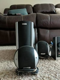 Like New Gateway Desktop speaker with Woofer Bellevue