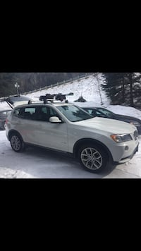 BMW X3 OEM Roof rack (and ski rack available ) Toronto, M4G 1Y9