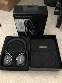 Bowers and Wilkins P5 headphones like new Cambridge, N3H 0C7