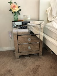 gray wooden 3-drawer chest Los Angeles, 90036