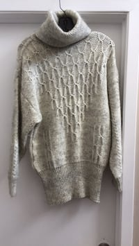 Gray wool mix sweater  729 km