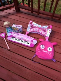Baby Crib and doll pink piano book bag light up wa Monroe, 28112