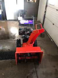 Super clean ariens 824LE two stage snowblower with electric start  Racine, 53402
