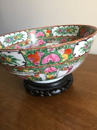 white and green floral ceramic bowl Frederick, 21701