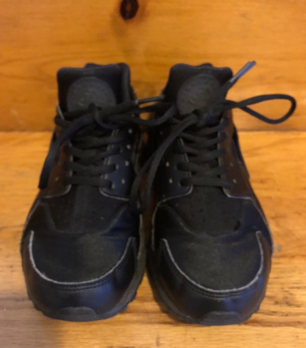11768b73a519 Used Nike Huaraches Women s Sz. 6.5 for sale in Wappingers Falls - letgo