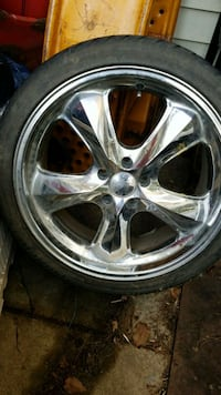 Set of 4 incubus rims (1 bent) with 2 tires Frederick, 21702