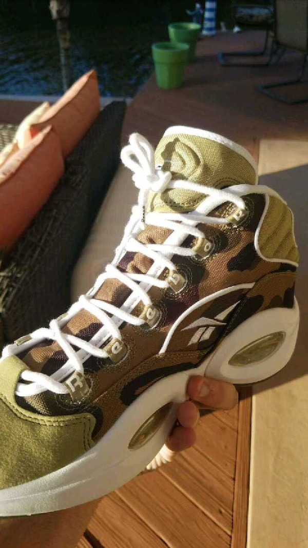 6b4ee515df06b5 Used Reebok x bape question mid for sale in Fort Lauderdale - letgo