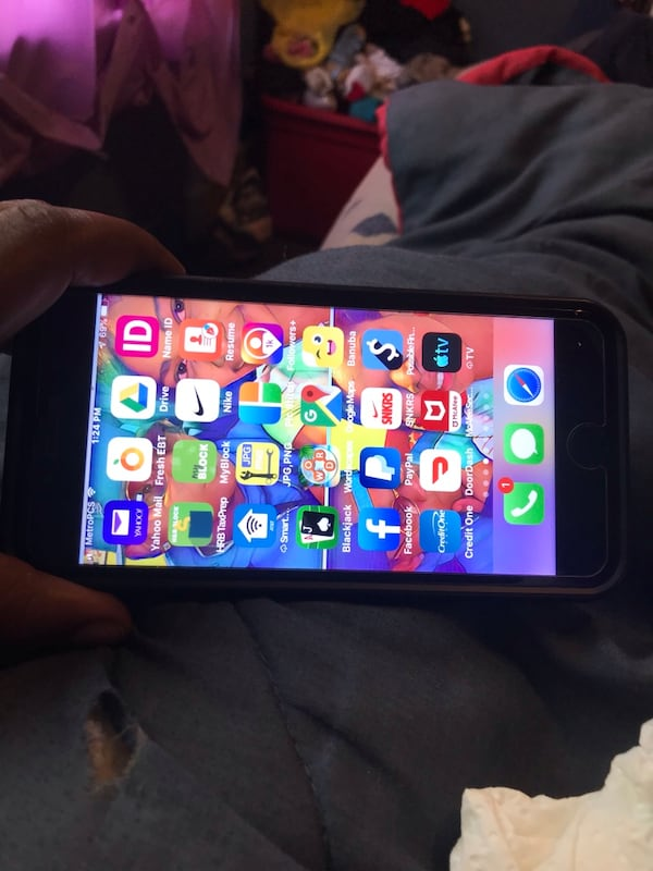Like new iPhone 7 Plus T-Mobile no iCloud locks no 0