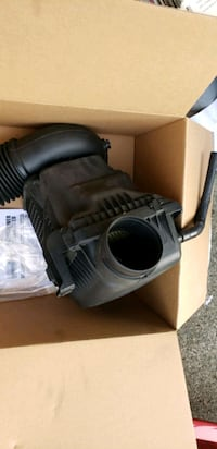 OEM Dodge Charger RT Air FilterAssembly  Kent, 98042